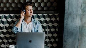 Monitoring społeczny a nasłuchiwanie społeczne. Na czym polega różnica?