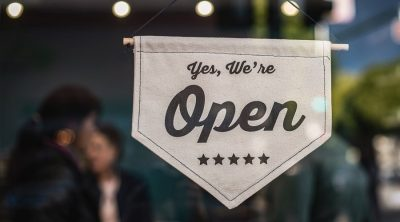 Małe przedsiębiorstwa są w tarapatach. Ale się nie poddają - mówi Facebook